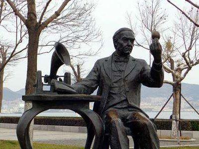 爱迪生雕塑