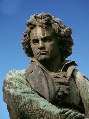 贝多芬雕塑