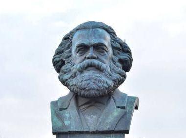 马克思雕像