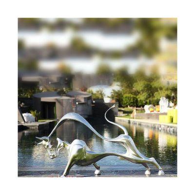不锈钢牛雕塑 抽象