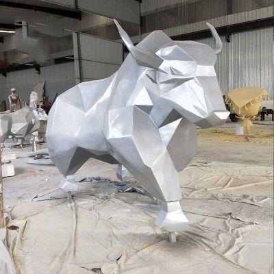 厂家定制户外玻璃钢抽象切面牛雕塑广场公园景观玻璃钢几何雕塑_74