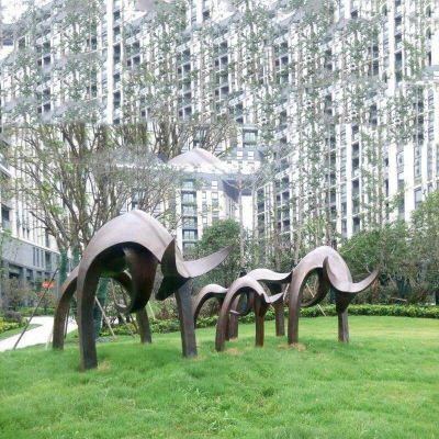 抽象牛铸铜雕塑