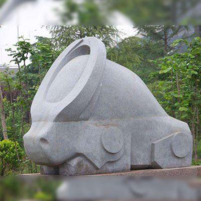 抽象石雕牛