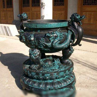 仿古圆鼎铜雕