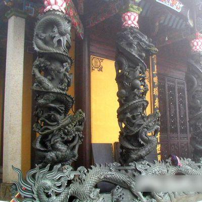 高浮雕石雕龙柱