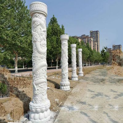 中国龙柱雕刻