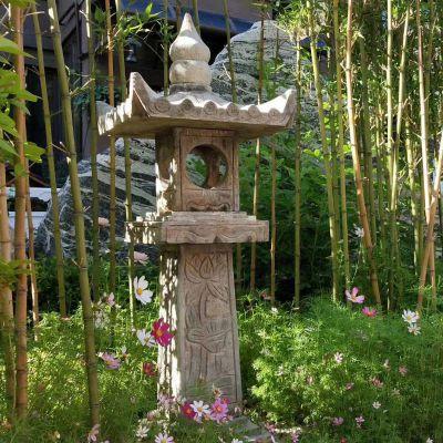 青石做旧石雕灯笼