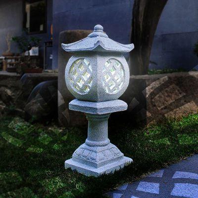 公园石雕灯笼