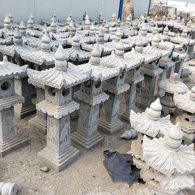 中式青石灯笼雕塑