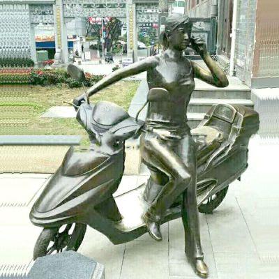 玻璃钢骑摩托车的女孩