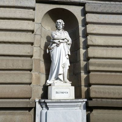 汉白玉贝多芬石雕像