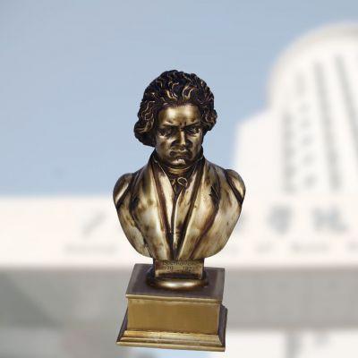贝多芬铜雕肖像