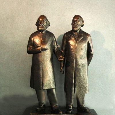 世纪伟人马克思和恩格斯雕塑