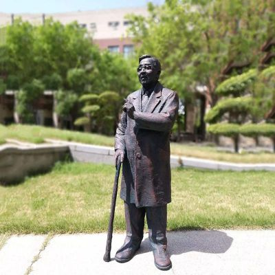 华罗庚铜雕像
