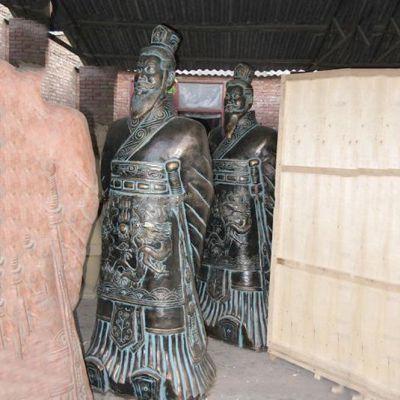 秦始皇青铜雕像