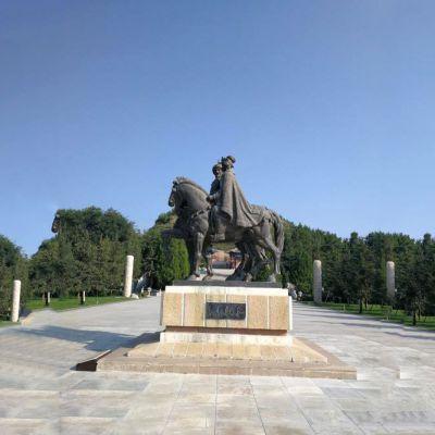 王昭君广场铜雕塑