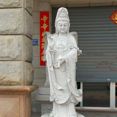 滴水观音青石雕塑