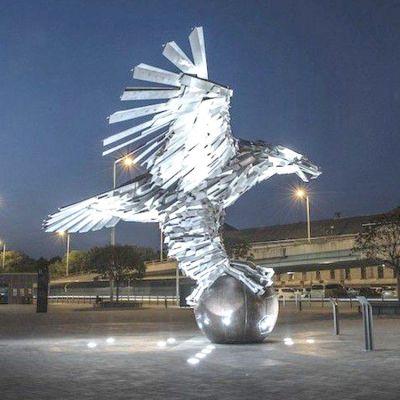 广场老鹰不锈钢景观雕塑