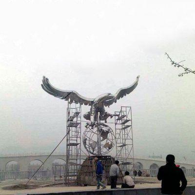 翱翔于天老鹰不锈钢雕塑