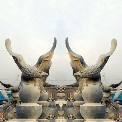 老鹰青石雕塑