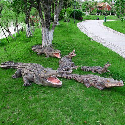 公园仿真鳄鱼雕塑