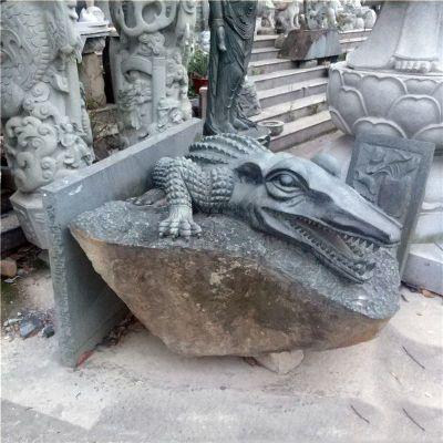 鳄鱼青石雕塑