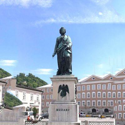 老莫扎特雕塑