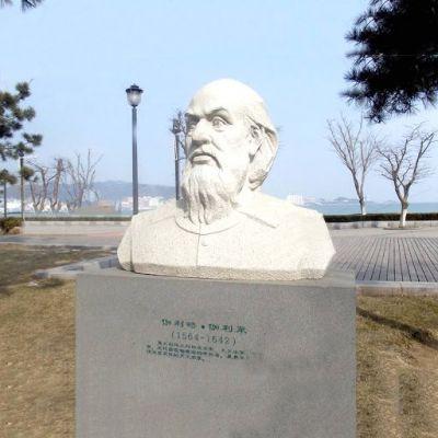 伽利略汉白玉石雕胸像