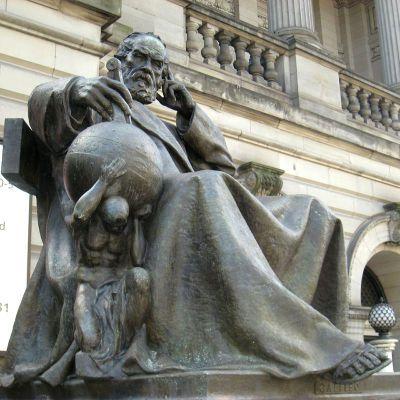 伽利略铜雕