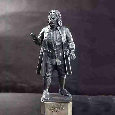 巴赫雕塑像