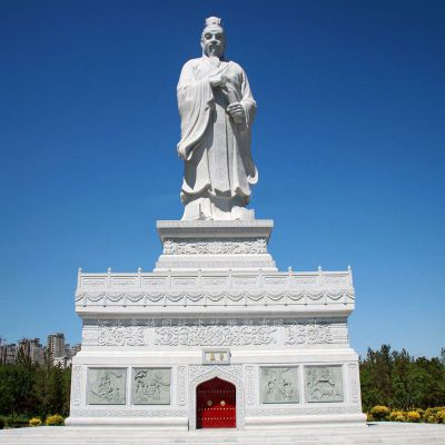 大型孟子石雕像