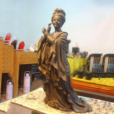 杨贵妃铜雕塑像