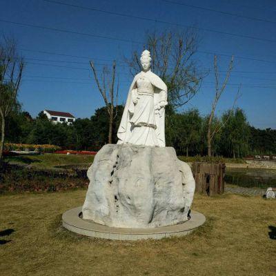 虞美人石雕塑
