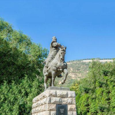 霍去病铸铜雕塑像