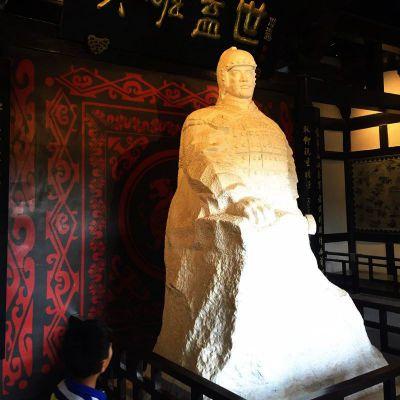 英雄盖世楚霸王石雕像