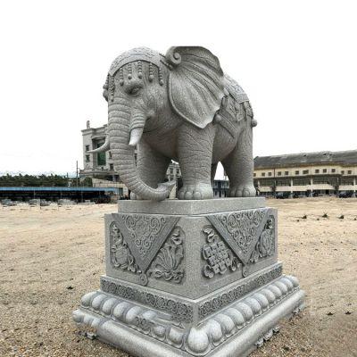 泰式大象石雕塑