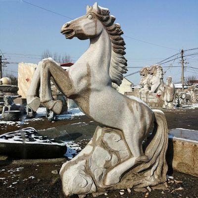 大理石马雕塑