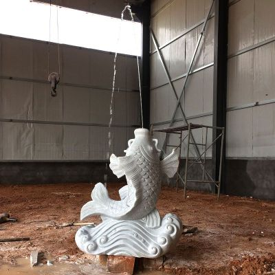 喷水鲤鱼汉白玉石雕