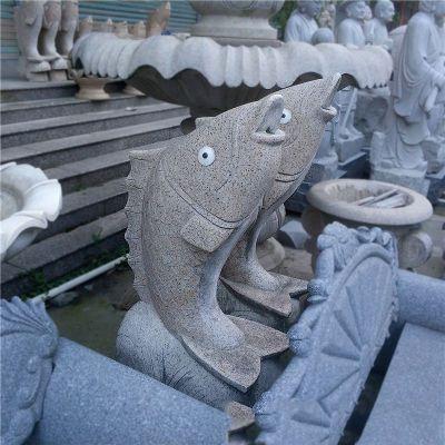 喷水鱼雕塑