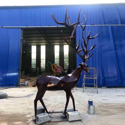 块面几何鹿不锈钢雕塑