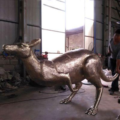袋鼠纯铜雕塑