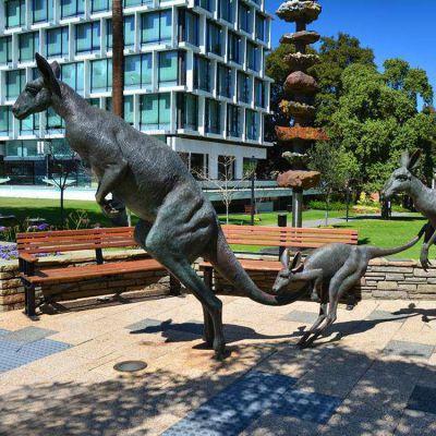 袋鼠铜雕景观雕塑