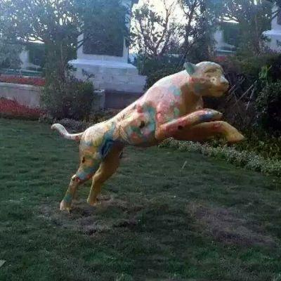 彩绘豹子玻璃钢雕塑