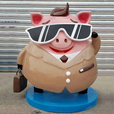 卡通美陈雕塑戴墨镜的猪