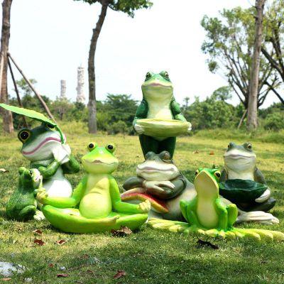 卡通青蛙雕塑