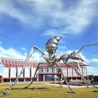 大型不锈钢蚂蚁雕塑
