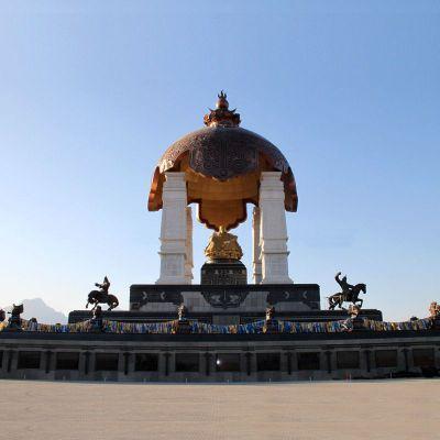 大型成吉思汗景观雕像